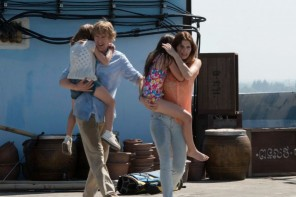Owen Wilson and Lake Bell star in NO ESCAPE © 2015 The Weinstein Company. All rights reserved.